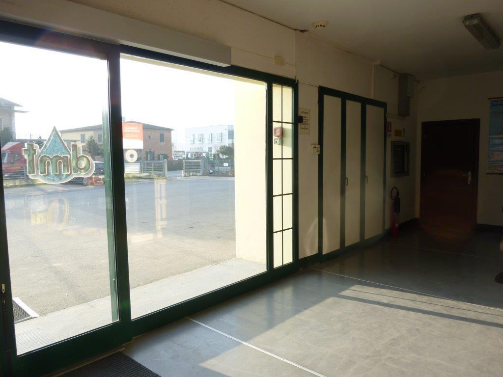 DMT Arredo Bagno - accoglienza magazzino